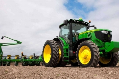 row-crop-tractor-group-r4b009242-1366